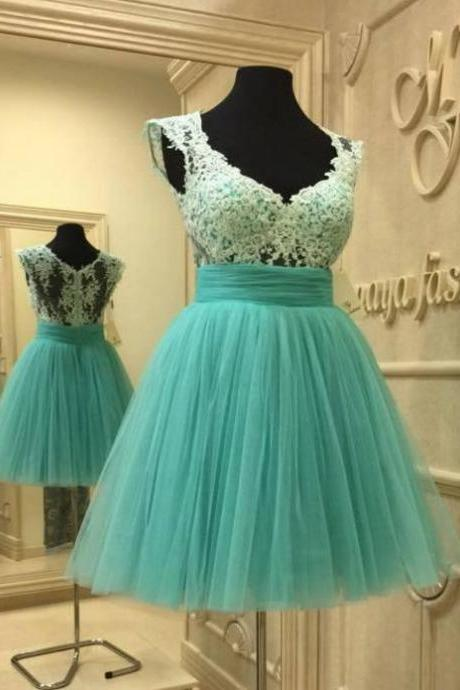 Mint V-neck Cap Sleeve Homecoming Dresses with Lace Appliques