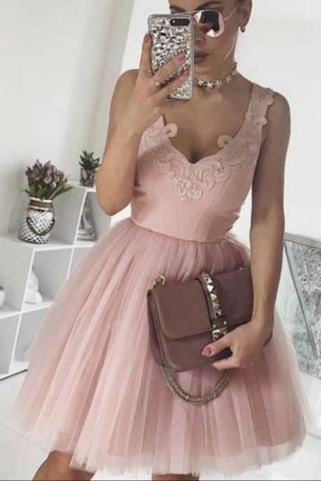 V-neck Pink Homecoming Dress with Appliques
